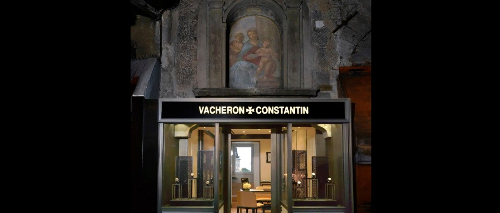 VACHERON CONSTANTIN ON  THE PONTE VECCHIO IN FLORENCE - Big