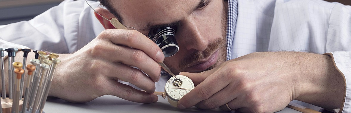 Vacheron Constantin - Strap Care - STATE-OF-THE-ART  SERVICE.